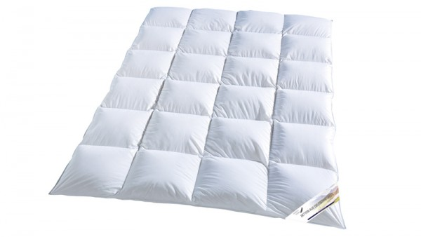 Weisse Luxus Kassettendecke aus der Serie Betten aus deutschen Landen von KBT Bettwaren und Heimtextilien