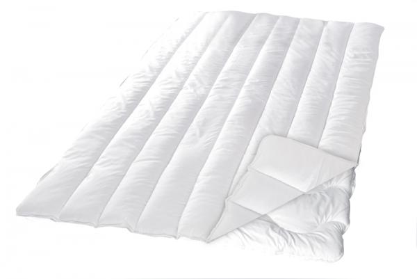 Sleep and Dream 4-Jahreszeiten Steppdecke 155x220cm weiss